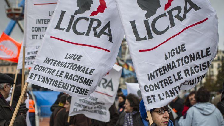 (Un rassemblement de la LICRA dans les rues de Lyon © MaxPPP)