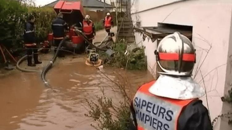 Une maison inondée dans le Haut-Rhin après le passage de la tempête Joachim vendredi 16 décembre 2011. (FRANCE 3 ALSACE)