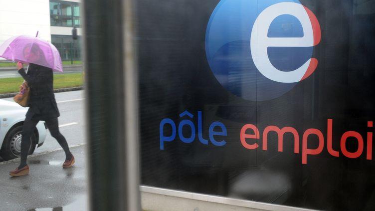 Une agence Pôle emploi à Brest (Finistère), le 24 septembre 2012. (FRED TANNEAU / AFP)