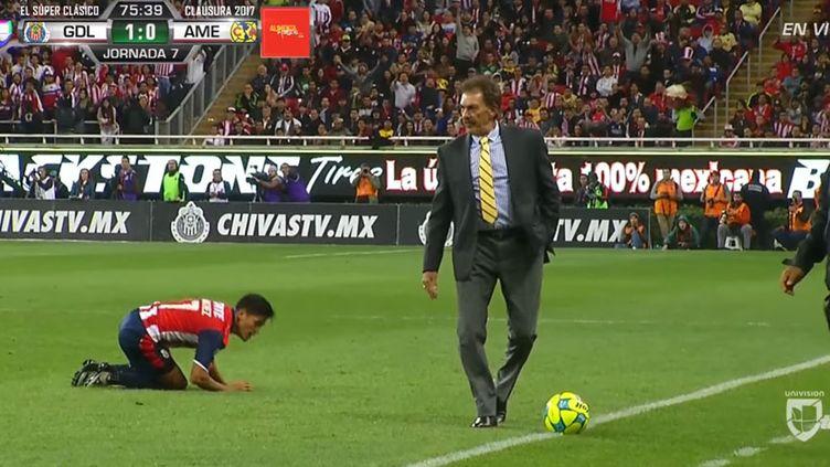 L'entraîneur argentin Ricardo La Volpe