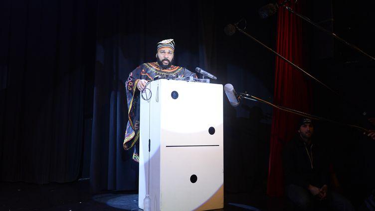 Dieudonné, le 11 janvier au Théâtre de la Main d'Or à Paris, lors d'une conférence de presse pour annoncer son dernier spectacle. (ALAIN JOCARD / AFP)