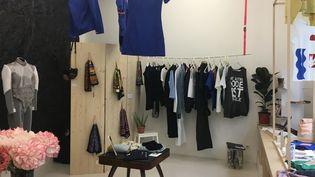 La boutique parisienneUne autre mode est possible est un collectif associatif d'entrepreneurs et de designers textile qui agissent en faveur de l'économie circulaire et de la cohésion sociale  (Courtesy of UAMEP)