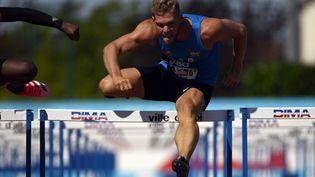 Kevin Mayer lors des championnats de France d'athlétisme à Albi en septembre 2020. (LIONEL BONAVENTURE / AFP)