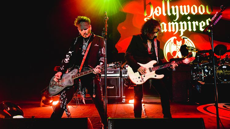 Johnny Depp et Joe Perry du groupe Hollywood Vampires au Greek Theatre de Los Angeles en mai 2019;  (MATT WINKELMEYER / GETTY IMAGES NORTH AMERICA)