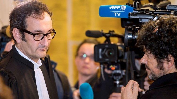Emmanuel Daoud, avocat du Mouvement du Nid, partie civile dans le procès du Carlton, le 12 février 2015. (PHILIPPE HUGUEN / AFP)