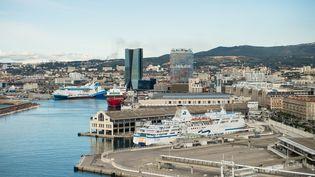 Le port de Marseille dans les Bouches-du-Rhône, le 15 novembre 2019 (photo d'illustration). (CLEMENT MAHOUDEAU / AFP)