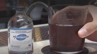 Insolite : un bar de Malaisie s'inspire des vaccins anti-Covid pour ses boissons (France Info)