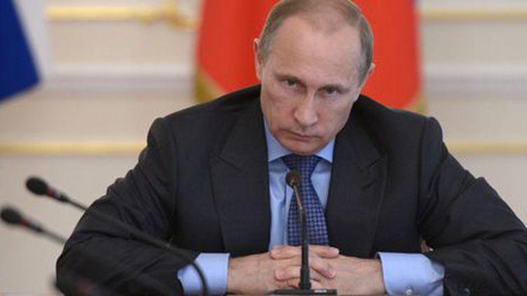 Le président russe, Vladimir Poutine, préside une réunion du gouvernement à la résidence d'Etat de Novo-Ogaryovo près de Moscou le 30 juillet 2014. (Reuters - Alexei Nikolskyi - RIA Novosti - Kremlin)