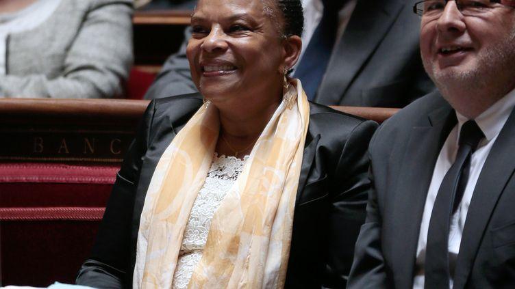 Christiane Taubira, ministre de la Justice, et Alain Vidalies, ministre des Relations avec le Parlement, durant une séance de questions au gouvernement, le 19 septembre 2013, à l'Assemblée nationale, à Paris. (JACQUES DEMARTHON / AFP)