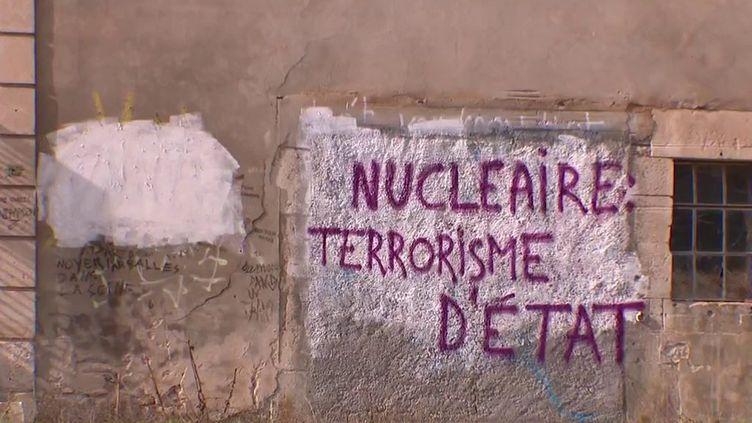 Nucléaire : un chantier d'enfouissement controversé (FRANCE 3)