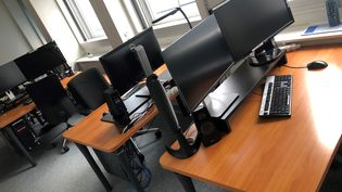 Des bureaux vides. Photo d'illustration. (JEAN-CHRISTOPHE BOURDILLAT / RADIO FRANCE)