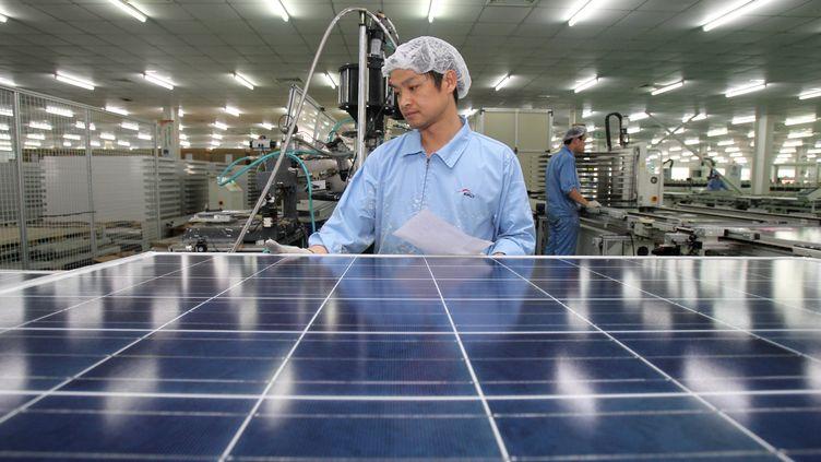 Le secteur des panneaux photovoltaïques est l'un de ceux qui a le plus souffert du dumping chinois (CHINAFOTOPRESS/MAXPPP)