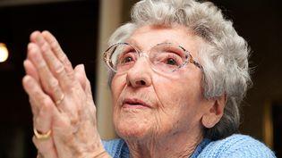Henriette Frantz, le 19 février 2014,centenaire inscrite sur la liste Rassemblement Bleu Marine aux élections municipales de Saint-Genis-Laval (Rhône). (MAXPPP)