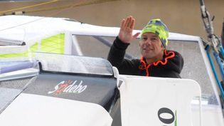 Thomas Coville quitte Brest (Finistère), le 6 novembre 2016. (MAXPPP)