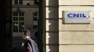 La Cnil avait mis en demeure Google en juin 2013. (ETIENNE LAURENT / AFP)