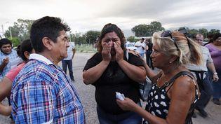 Azucena Aguero, la fiancée du pilote Juan Carlos Castillo, tuée lors du crash en Argentine, le 10 mars 2015. (MARCOS BRINDICCI / REUTERS)