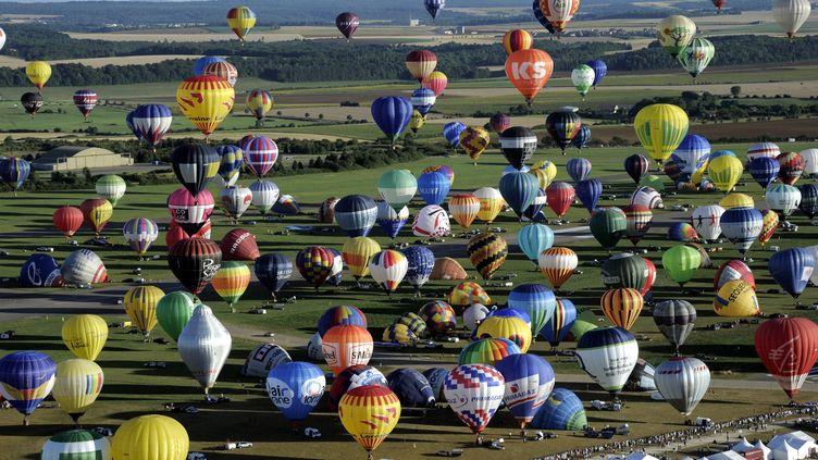 Le 31 juillet 2013,408 montgolfières ont décollé sur le site de l'ancienne base aérienne de l'Otan de Chambley-Bussières (Meurthe-et-Moselle),lors du festival Lorraine Mondial Air Ballons. (ALEXANDRE MARCHI / AFP)