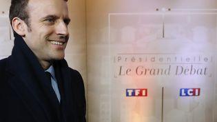 Emmanuel Macron, le 20 mars 2017, avant le débat télévisé entre les cinq principaux candidats à l'élection présidentielle. (PATRICK KOVARIK / AFP)