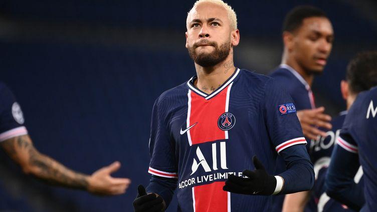 Neymar capitaine pour le déplacement à Caen en Coupe de France (FRANCK FIFE / AFP)