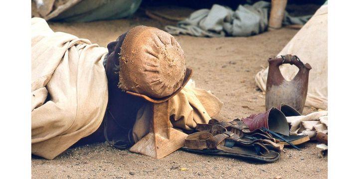 Bedja, Soudan, région de Sinkat, Dormeur, 1983  (photo Jean-Baptiste Sevette)