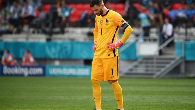 Hugo Lloris a regretté le manque d'efficacité des Bleus face à la Hongrie. (FRANCK FIFE / POOL)