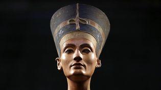 Le buste de Néfertiti au musée Neuss de Berlin (5 décembre 2012)  (Michael Sohn / Sipa)