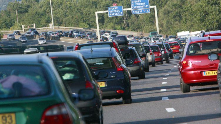 L'autoroute A6, à hauteur de Givors (Auvergne-Rhône-Alpes), le 4 août 2007. (FRED DUFOUR / AFP)
