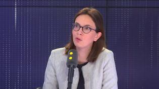 """Amélie de Montchalin, secrétaire d'État aux Affaires européennes, invitée du """"8h30 Cadet-Dély"""", mardi 30 avril 2019. (FRANCEINFO / RADIOFRANCE)"""