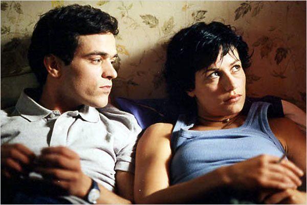 """Xavier (Romain Duris) et Isabelle(Cécile de France), dans """"L'Auberge espagnole"""". (BAC FILMS)"""
