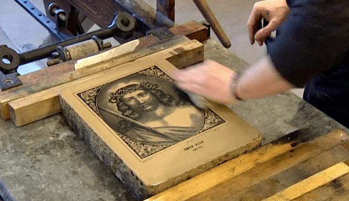 Pierre lithographiée de l'Imagerie d'Epinal  (France 3 / Culturebox)