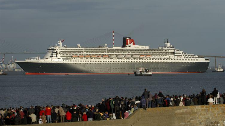 Le Queen Mary II dans tout son gigantisme (ALAIN LE BOT / PHOTONONSTOP)