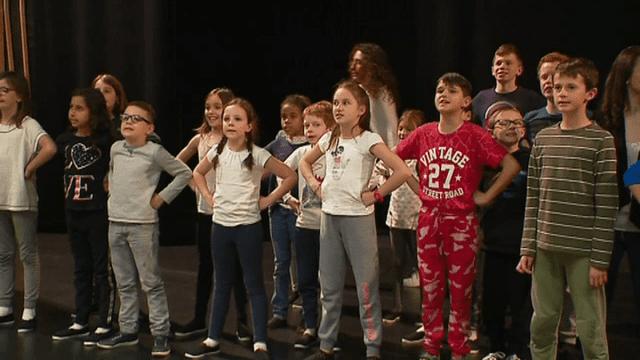Des élèves de CM2 préparent un opéra