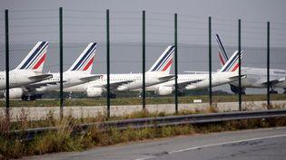 Des avions d'Air France à l'aéroport Charles-de-Gaulle, le 24 septembre 2014. (STEPHANE DE SAKUTIN / AFP)