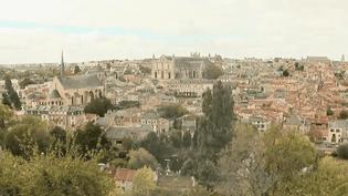 Ville universitaire, située à 1h15 de Paris en TGV, Poitiers (Vienne) attire des familles à la recherche de calme et d'une meilleure qualité de vie. (FRANCE 2)