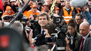 Le ministre du Redressement productif Arnaud Montebourg s'est rendu le 27 septembre 2012 à Florange (Moselle) pour une réunion avec l'intersyndicale du site d'ArcelorMittal. ( MAXPPP)