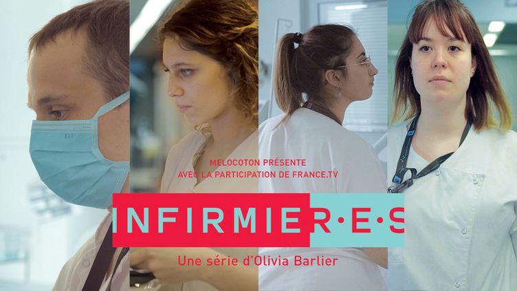 """Théo, Laura, Elisa et Manon sont lesquatre infirmiers filmés dans la série documentaire """"Infirmièr.e.s"""", diffusée sur france tv slash en novembre 2020. (OLIVIA BARLIER / MELOCOTON)"""