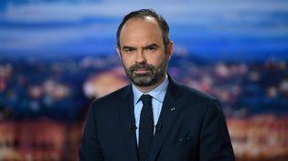 """Le Premier ministre Edouard Philippe, le 7 janvier 2019 sur le plateau du """"20 heures"""" de TF1. (ERIC FEFERBERG / AFP)"""