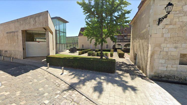 Vue extérieure dumusée de l'Hospice Saint-Roch, à Issoudun (Indre). (CAPTURE GOOGLE STREET VIEW)