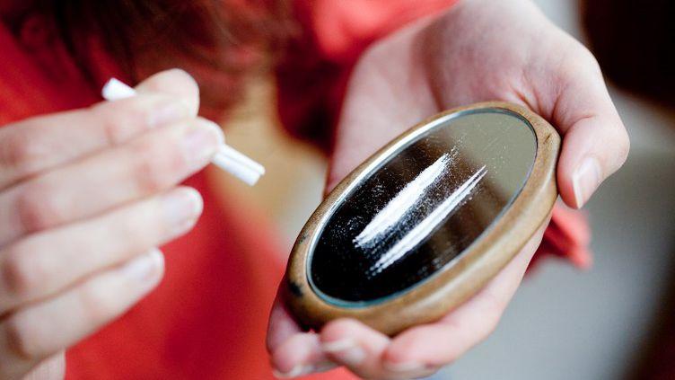 """La part des 18-64 ans ayant consommé de la cocaïne """"dans l'année a triplé au cours de la décennie"""", passant de 0,3% à 0,9%. (GARO / PHANIE / AFP)"""