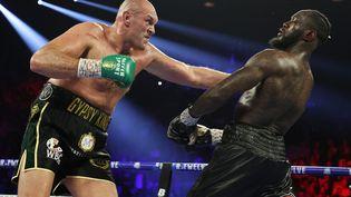 Tyson Fury face à Deontay Wilder durant leur deuxième combat, le 22 février 2020 à Las Vegas. (AL BELLO / GETTY IMAGES NORTH AMERICA)