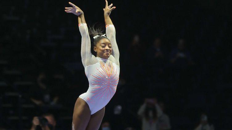 La gymnaste américaine Simone Biles lors d'une compétition à Indianapolis, le 22 mai 2021. (KYLE OKITA / CSM / SHUTTERSTOCK / SIPA)