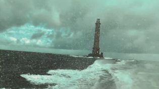 Dans la Manche, le cap de la Hague est un lieu redouté des marins à cause de son courant puissant. France 3 a suivi des sauveteurs en mer. (France 3)