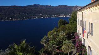 Les équipes de France Télévisions vous emmènent du côté de l'Italie, à la découverte d'îles magnifiques dans le Piémont, sur le lac Majeur. L'une d'elles abrite un jardin de huit hectares avec 3 000 espèces différentes venues du monde entier. (CAPTURE ECRAN FRANCE 2)