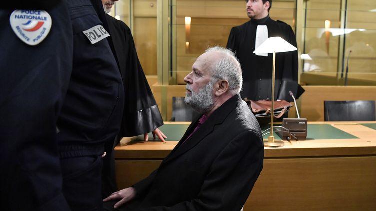 L'ex-prêtre Bernard Preynat, lors de son procès à Lyon, lundi 13 janvier 2020. (PHILIPPE DESMAZES / AFP)