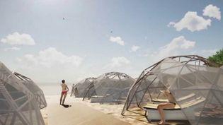 Dimanche 26 avril, le gouvernement italien doit annoncer des mesures pour le déconfinement, dont les conditions de réouverture des plages. Des inventeurs réfléchissent à des dômes en plexiglas qui permettraient de rester avecsa famille isolée des autres gens (FRANCE 3)