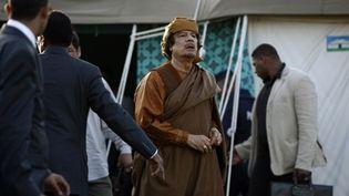 Le dictateur libyen Mouammar Kadhafi le 10 avril 2011 à Tripoli (AFP - MAHMUD TURKIA)
