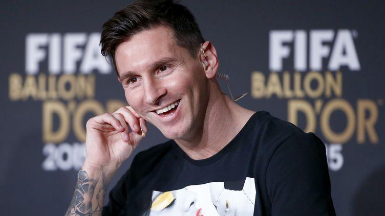 Le footballeur Lionel Messi, lors d'une conférence de presse à Zurich (Suisse), avant la cérémonie de remise du Ballon d'or 2015, lundi 11 janvier 2016. (RUBEN SPRICH / REUTERS)