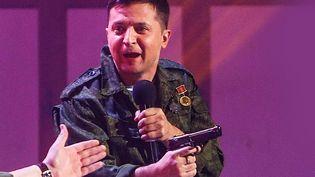 Volodymyr Zelensky, le nouveau président ukrainien, également comédien. Ici lors de l'enregistrement d'un de ses spectacles à Kiev en mars 2017 (SERGII KHARCHENKO / NURPHOTO / AFP)