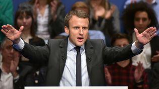 Emmanuel Macron s'exprime lors d'un meeting de campagne le 17 novembre 2016 à Les Pennes-Mirabeau, près de Marseille (Bouches-du-Rhône) (CITIZENSIDE/GEORGES ROBERT / AFP)