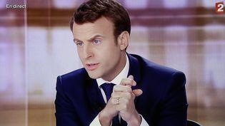 Emmanuel Macron lors du débat de l'entre-deux-tours, à la Plaine Saint-Denis (Seine-Saint-Denis), le 3 mai 2017. (MAXPPP)